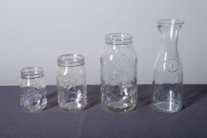 mason-jars-and-wine-decanter-dinnerware-rental-in-los-angeles